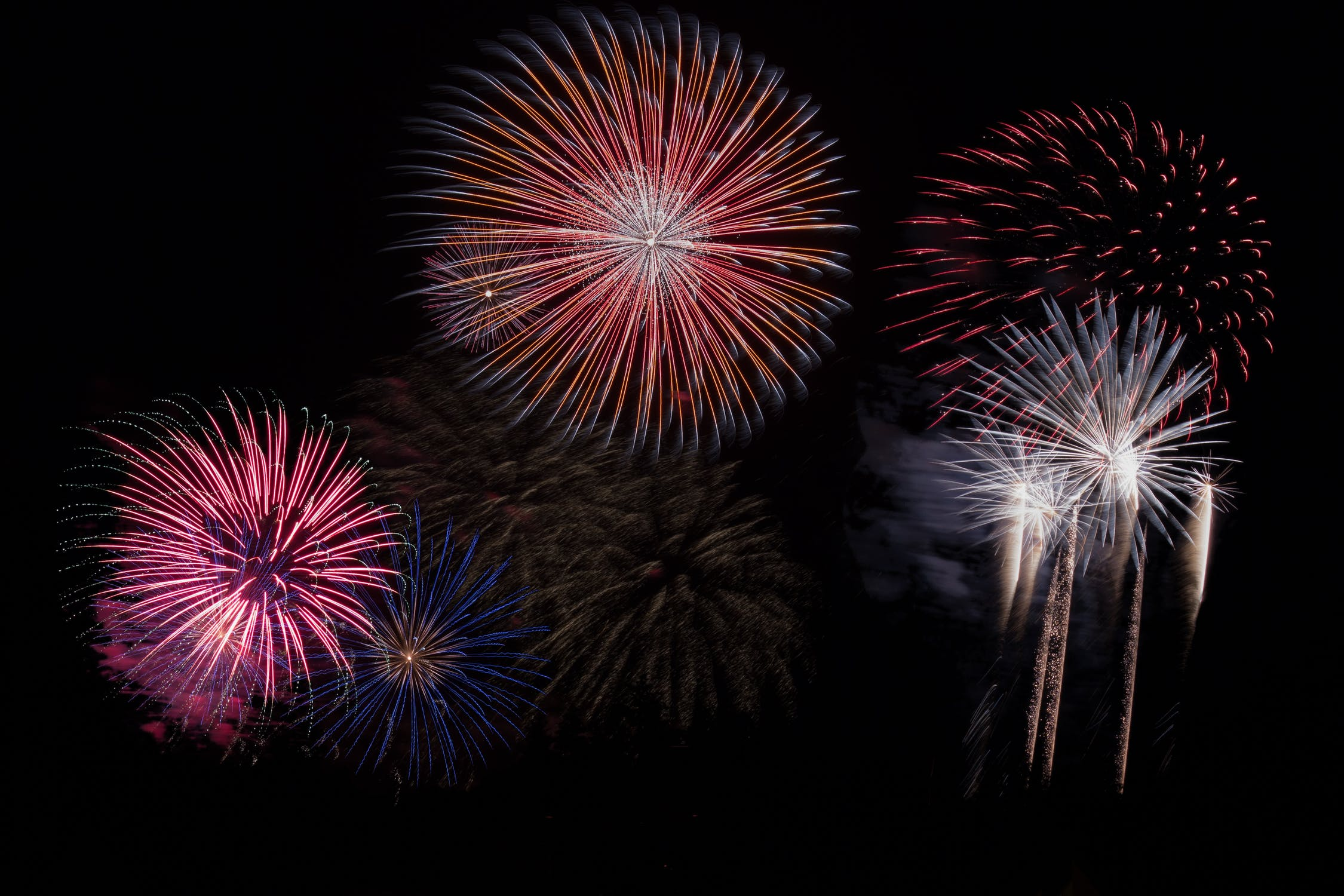 fireworks-sky-party-new-year-s-eve-128872